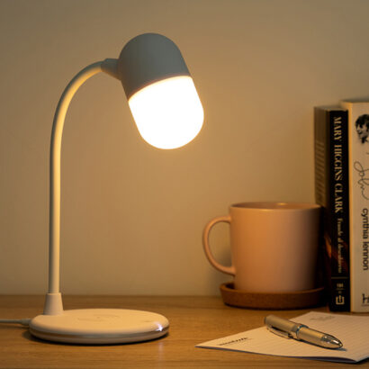 Candeeiro LED com Bluetooth, Alta Voz e carregamento sem fios