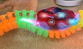 Pista de Carros Magic Tracks com 314 peças e 2 carros