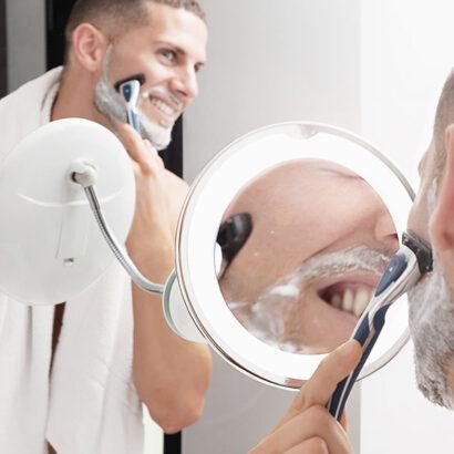 Espelho LED com ampliação, braço flexível e ventosa